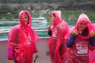 On paye cher pour se faire tremper dans les vapeurs du Niagara... mais on est content !