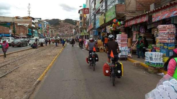 Sortie de Cuzco et découverte de quartiers... animés
