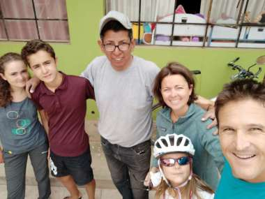 Départ de la casa de ciclistas avec Geovanni