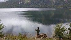 Nous nous arrêtons tous les jours près de rivières et de lacs