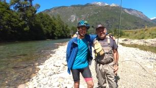 Rencontre avec Sergio, pêcheur amateur qui nous donne tout plein de conseils... Bon d'accord il nous en manque encore !