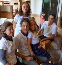 La famille de cyclistes rhabillée