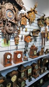 Impressionnante collection d'horloges et petit cours sur le sujet