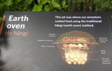 Cuisson à l'étouffée dans la terre, ce qui nous rappelle le Curanto chilien