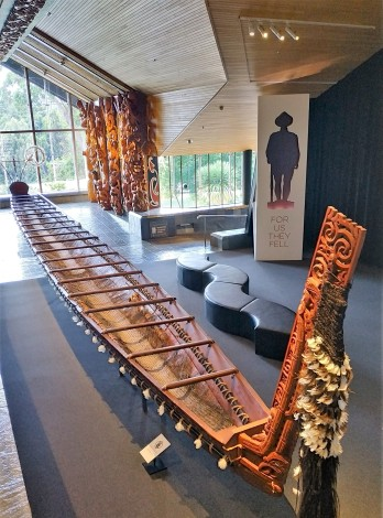 Pirogue maorie