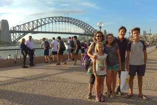 Au retour dans la capitale, nous prenons le temps de visiter le quartier du port...