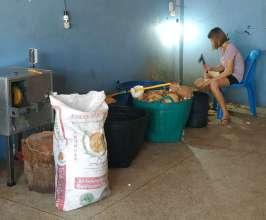 Arrêt à un atelier de noix de coco