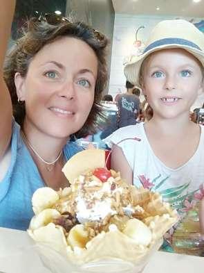 Pendant que les grands font les fous, Diane et Nadège se font plaisir : journée mère-fille :-)