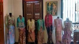 Quelques infos glanées sur le port des vêtements féminins et les traditions associées