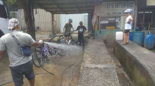 Un petit nettoyage des vélos s'impose !