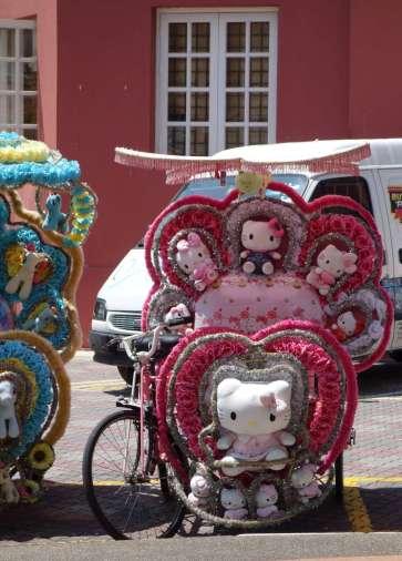 Les tuk-tuks criards, typique de la ville