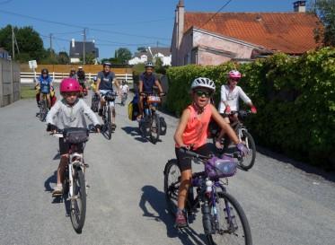A l'approche de la Baule, nous sommes rejoints par le frère de Marc et sa famille, 14 cyclistes au compteur !